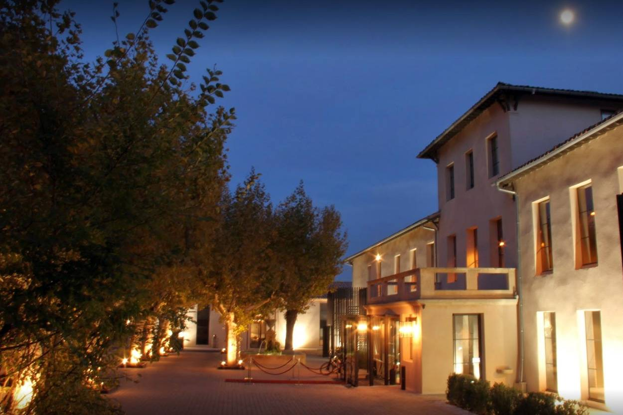 Hotel avec piscine et jardin aix en provence les lodges for Hotel design sud france