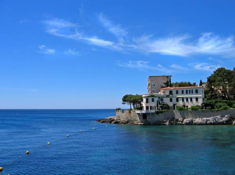 H tel en bord de mer avec terrasse dans le sud de la for Hotel design sud france